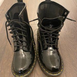 1460 Dr. Martens patent leather combat boots
